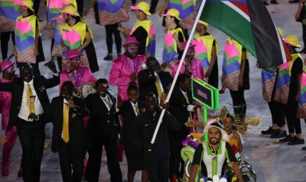 oscar marial portdrapelul Sudanului de sud